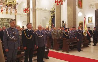 Uroczystości jubileuszowe rozpoczęły się mszą świętą w Katedrze Polowej Wojska Polskiego w Warszawie