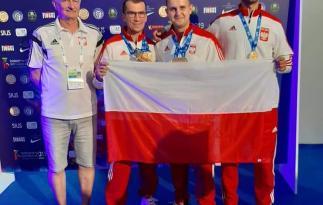 Na fotografii od lewej: trener kadry Andrzej Kijowski, Tomasz Bartnik, Marcin Majka, Daniel Romańczyk
