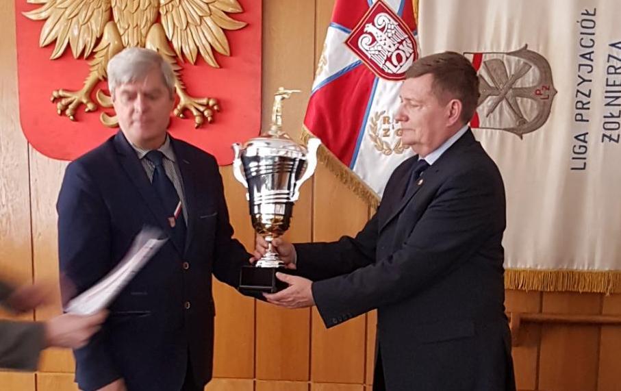 Puchar dla Małopolskiej OW LOK