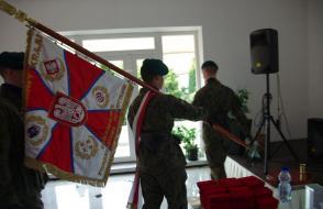 Uroczyste wniesienie sztandaru Ligi Obrony Kraju